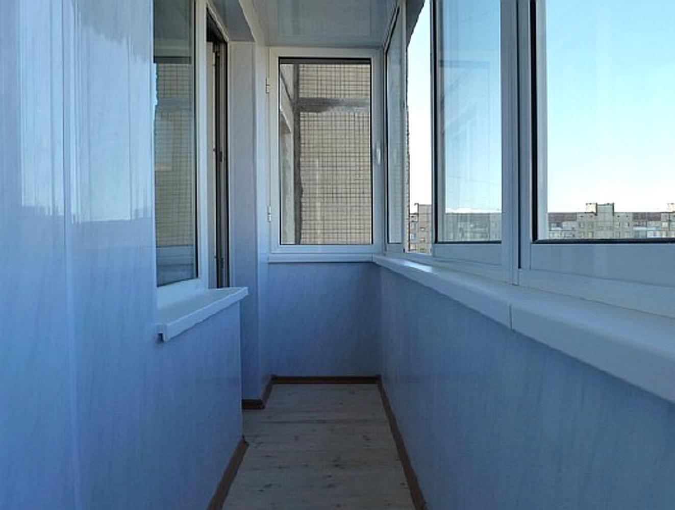 """Отделка балконов и лоджий панелями пвх """"окна эконом""""."""